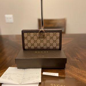 Gucci GG logo Supreme wallet